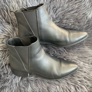 FRANK AND OAK Leather Chelsea Boots